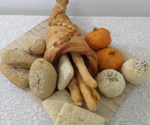 感恩节(素食主义者)面包盛肉盘在聚宝盆