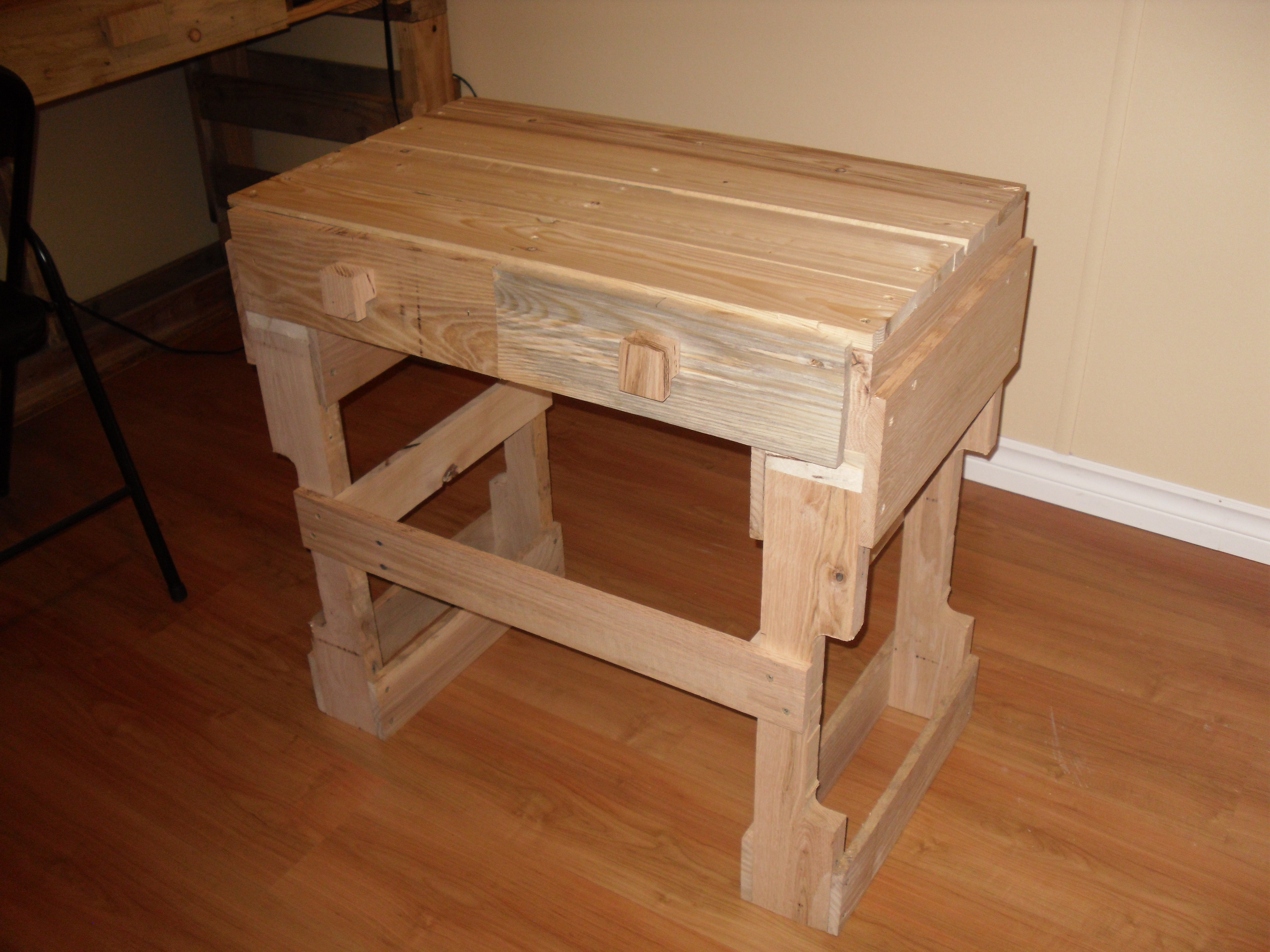 Two Pallet Table
