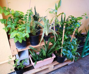 DIY Outdoor Pallet Plant Shelf