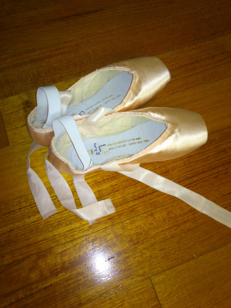Pointe Shoes (top)