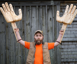建造巨型关节手(从木头雕刻为社会疏远)
