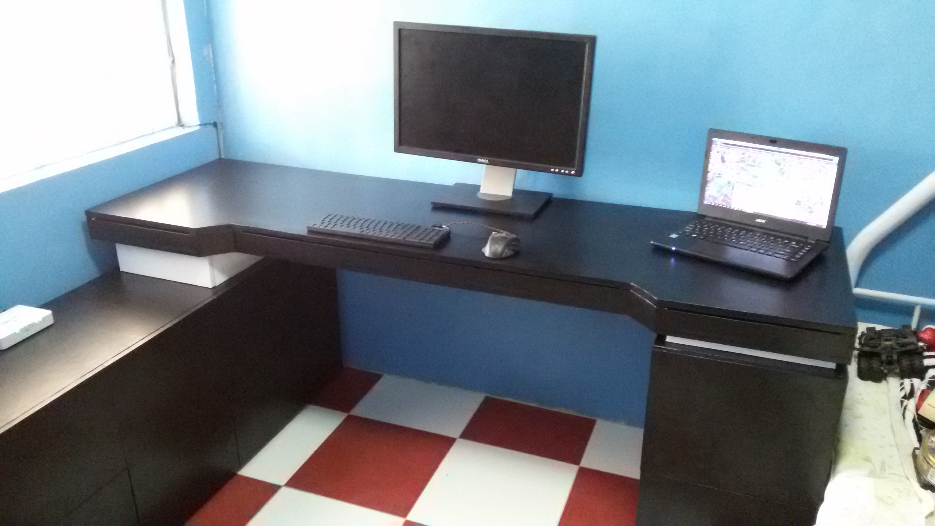 Extreme Office Gaming Desk 8 Steps With Pictures Instructables