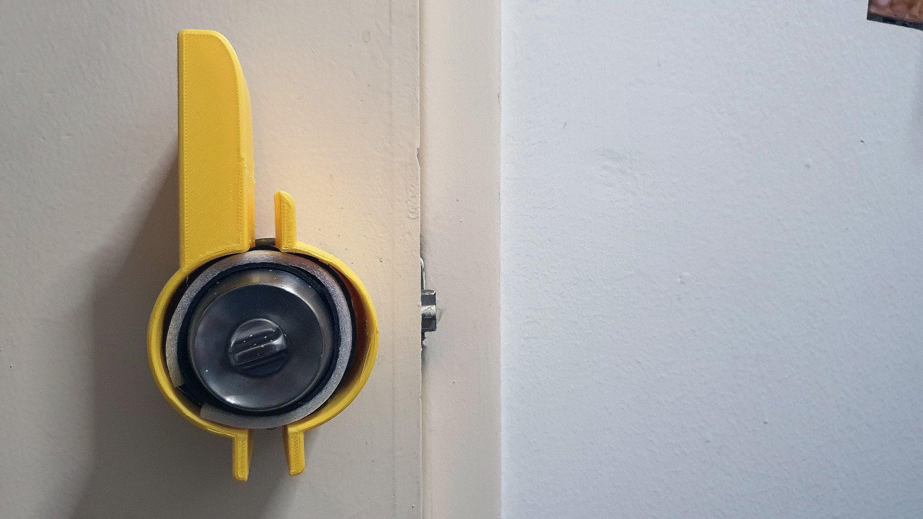 Mount 4ARM on Your Door Knob