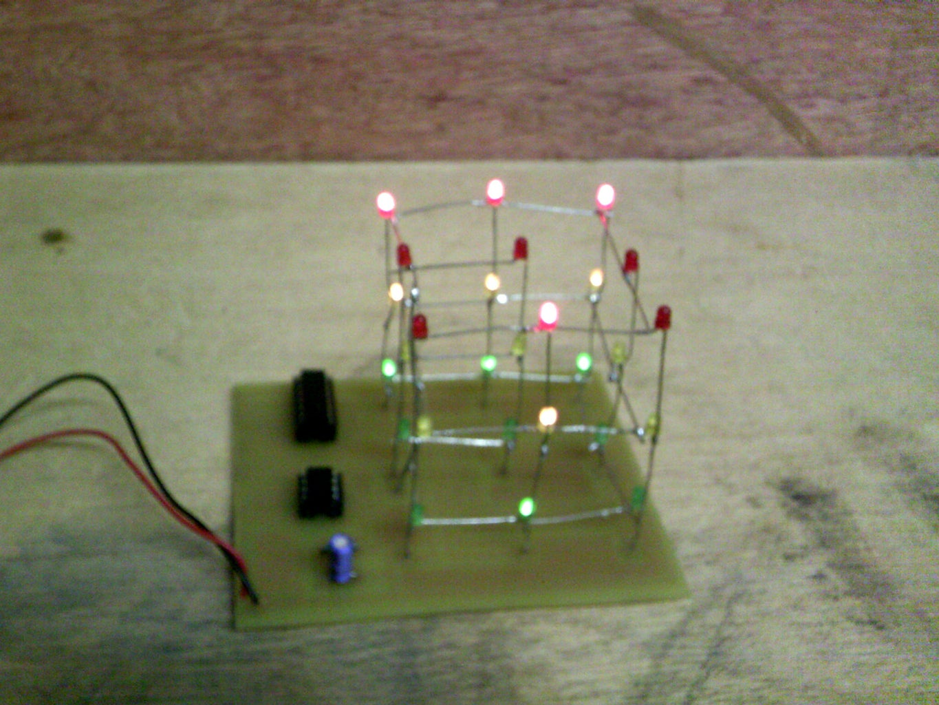 A 3x3x3 Led Cube for the Absolute Beginner Using a 555 Timer and 4020 IC - No Programming