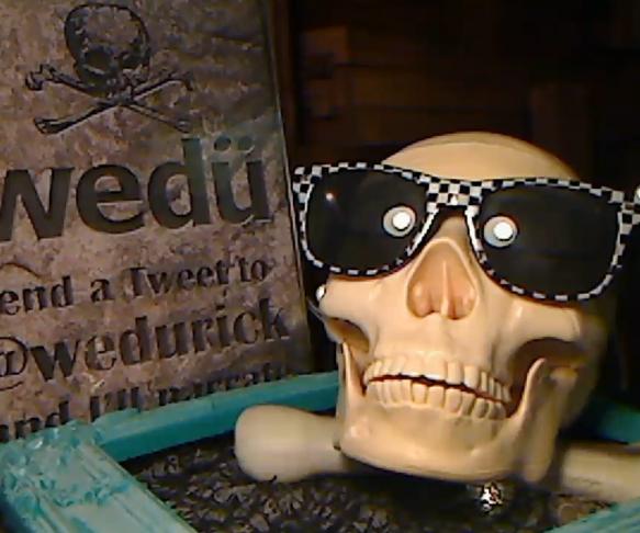 Yorick, a Twitter Narrating Talking Skull