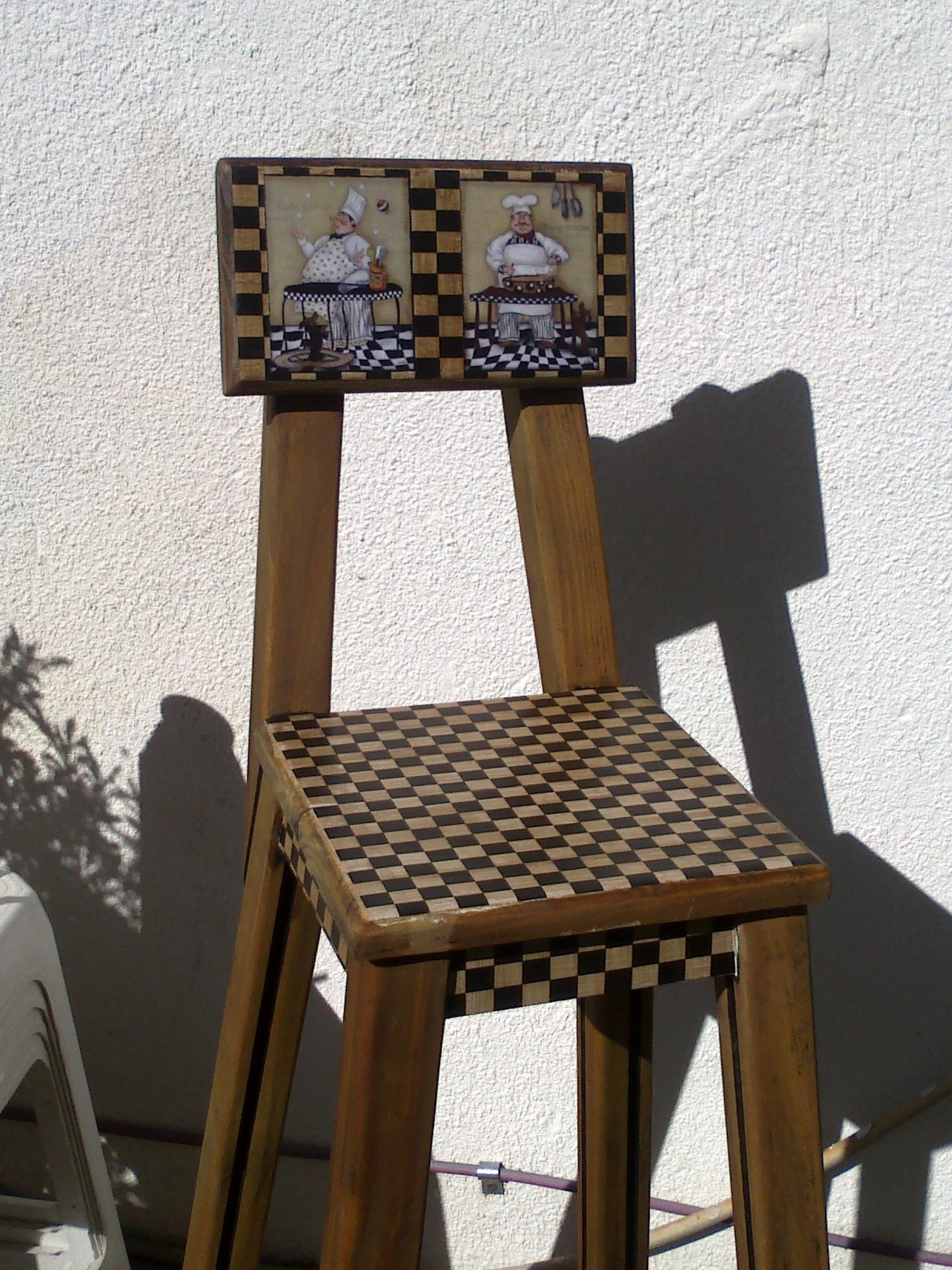 Recicled wooden chair