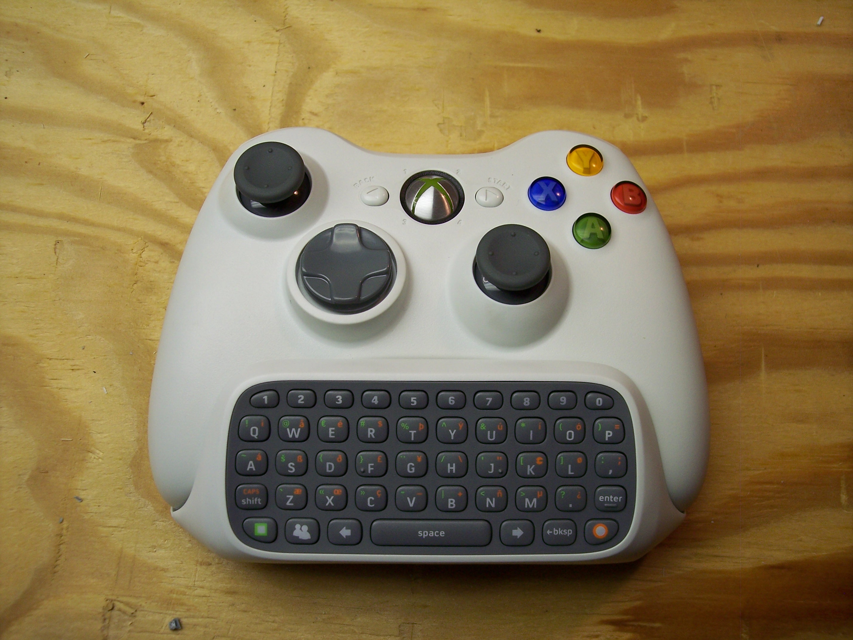FIRST MOD FOR XBOX 360 WIRELESS CONTROLLER/HEADSET/MESSENGER KIT