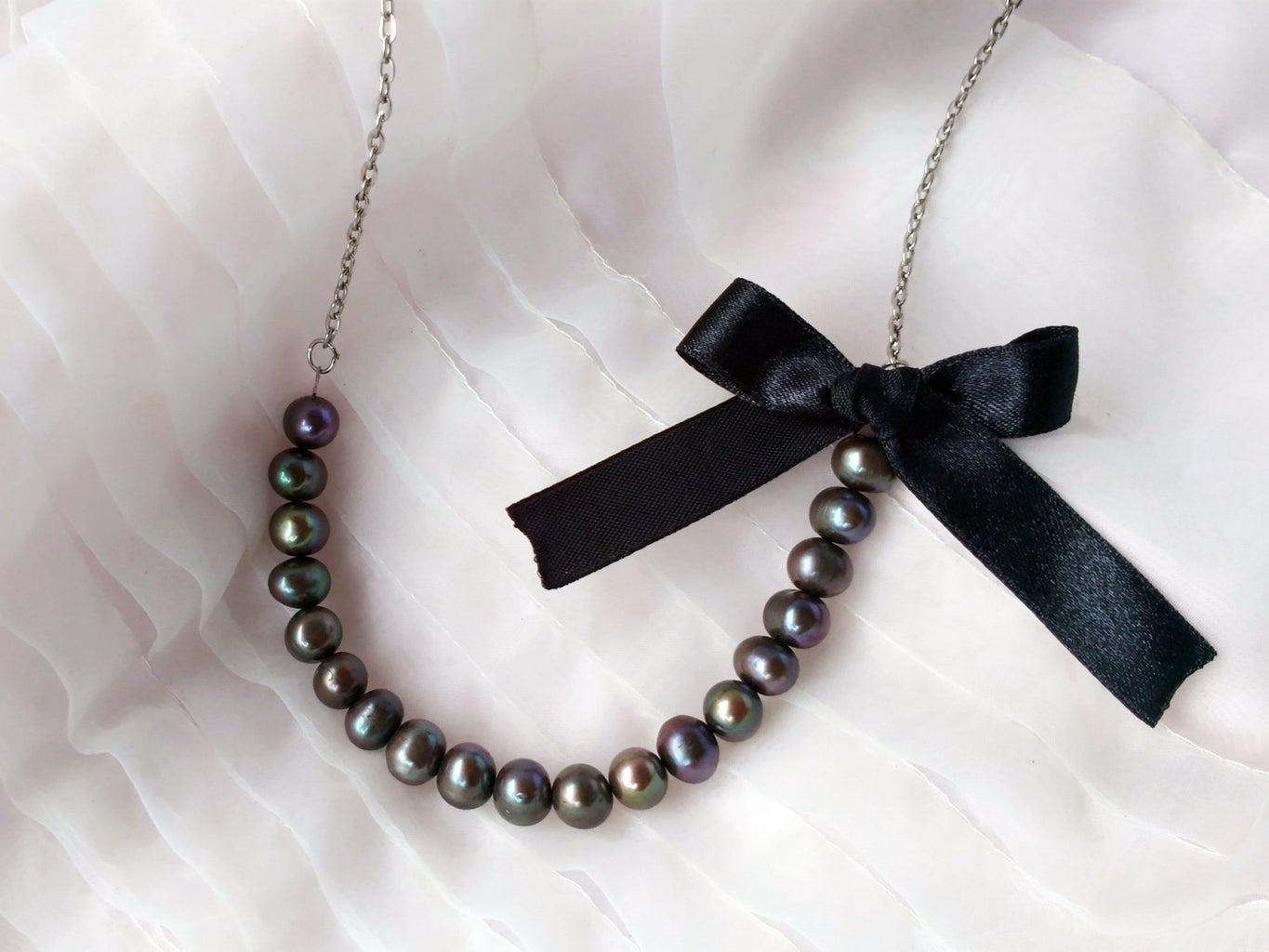 How to Make a Necklace by Recycling Old Jewelry