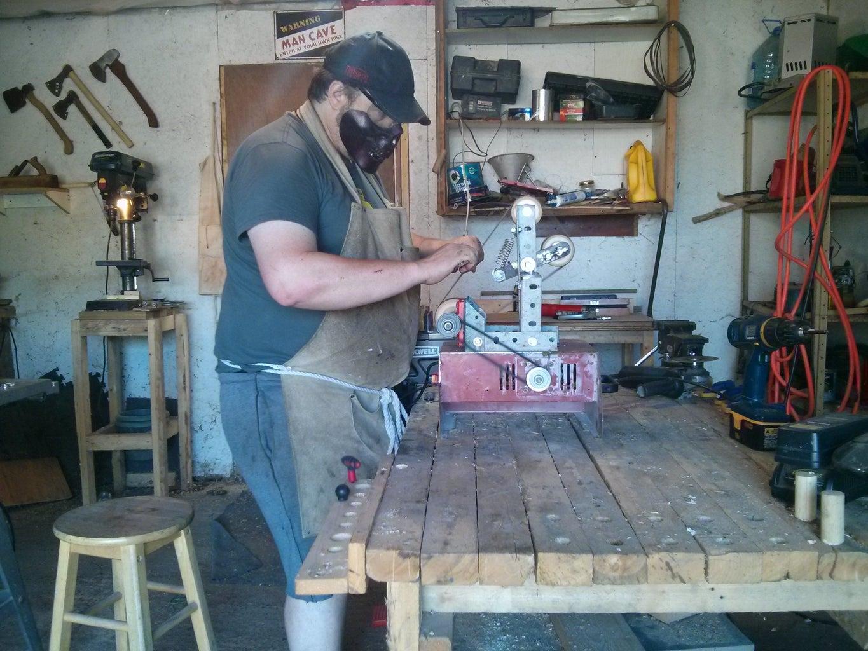 Low Budget Knife-maker's Bench Grinder