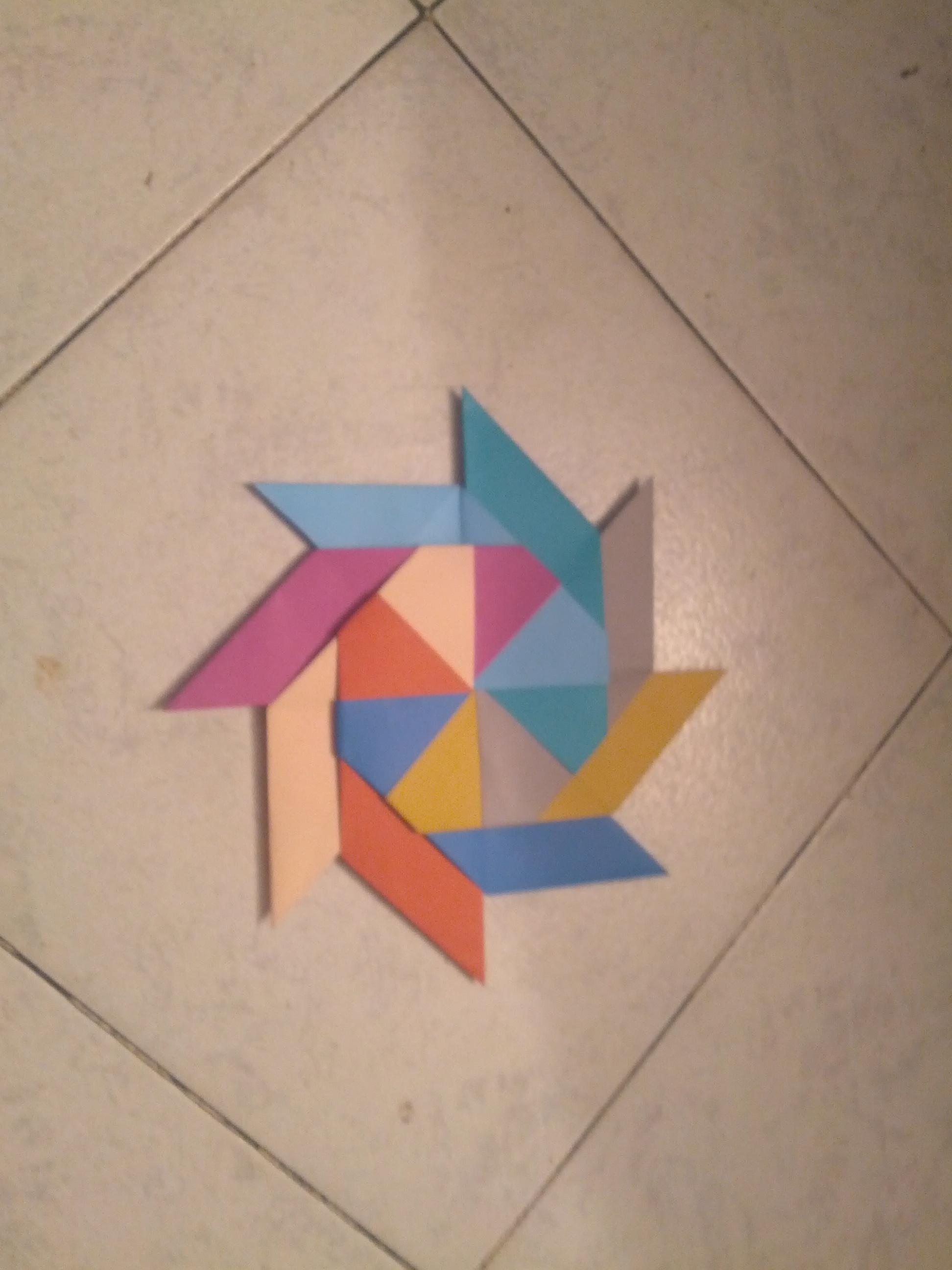 Origamin transforming Ninja star