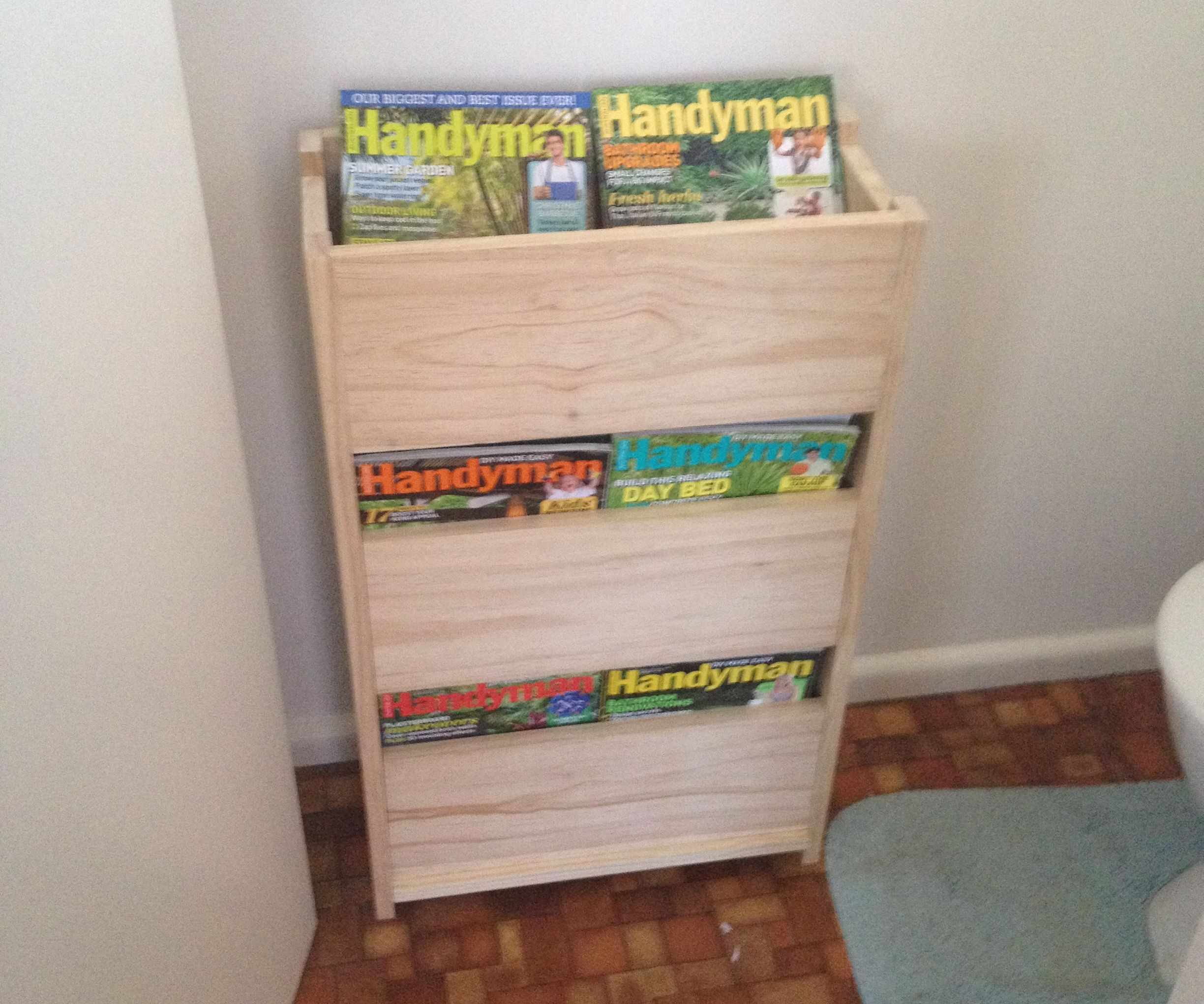 Magazine Rack (with Hidden Compartment)