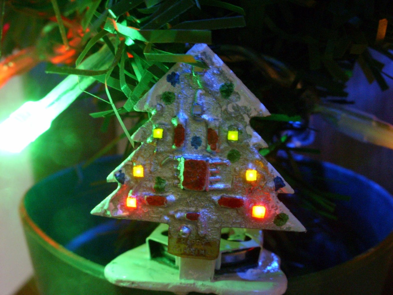 Mini Animated LED Christmas Tree 32 X 32mm
