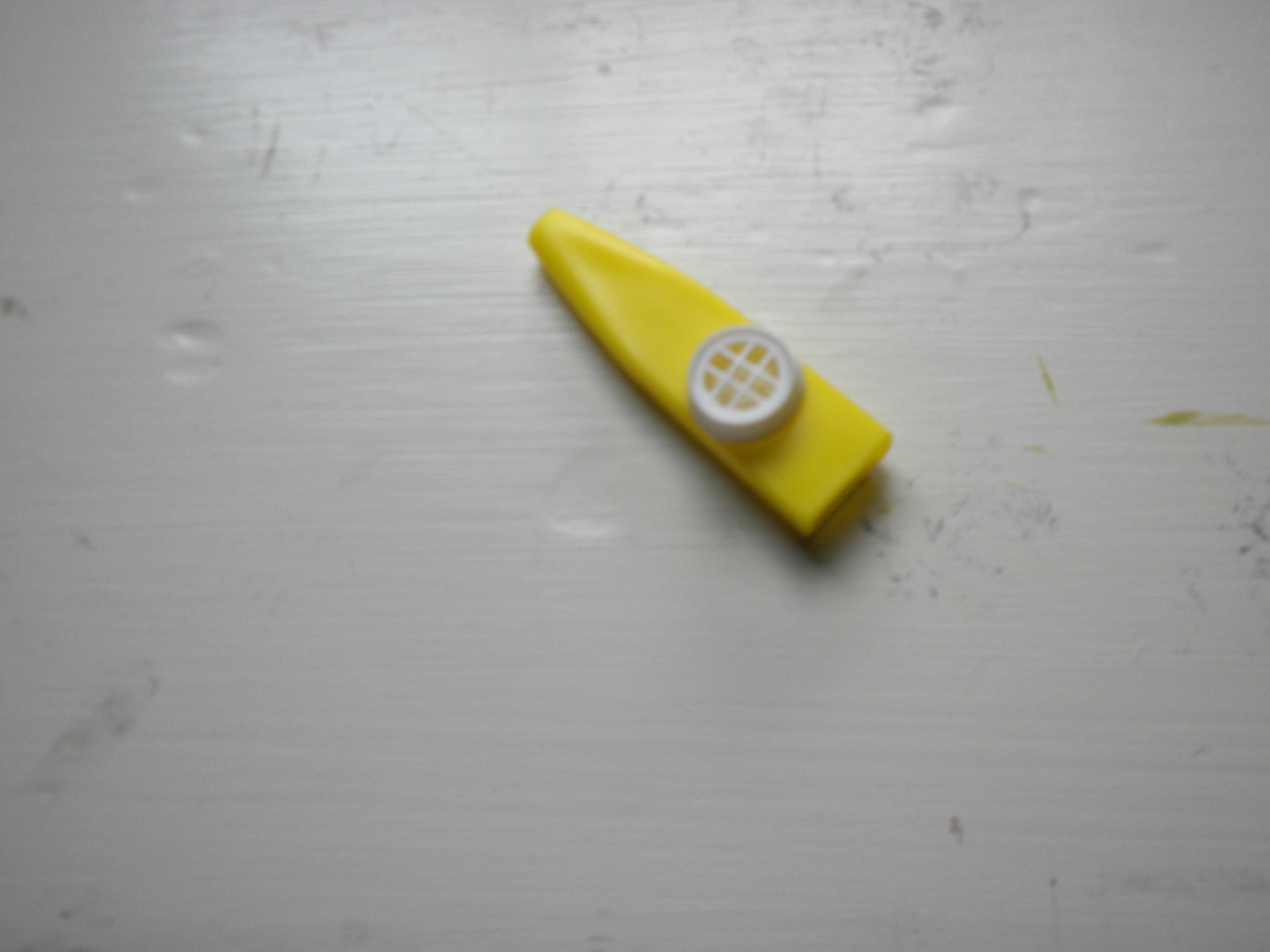make a kazoo for $0.00
