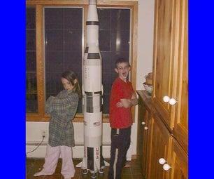 纸制土星V火箭模型,几乎是免费的,超过7英尺高。