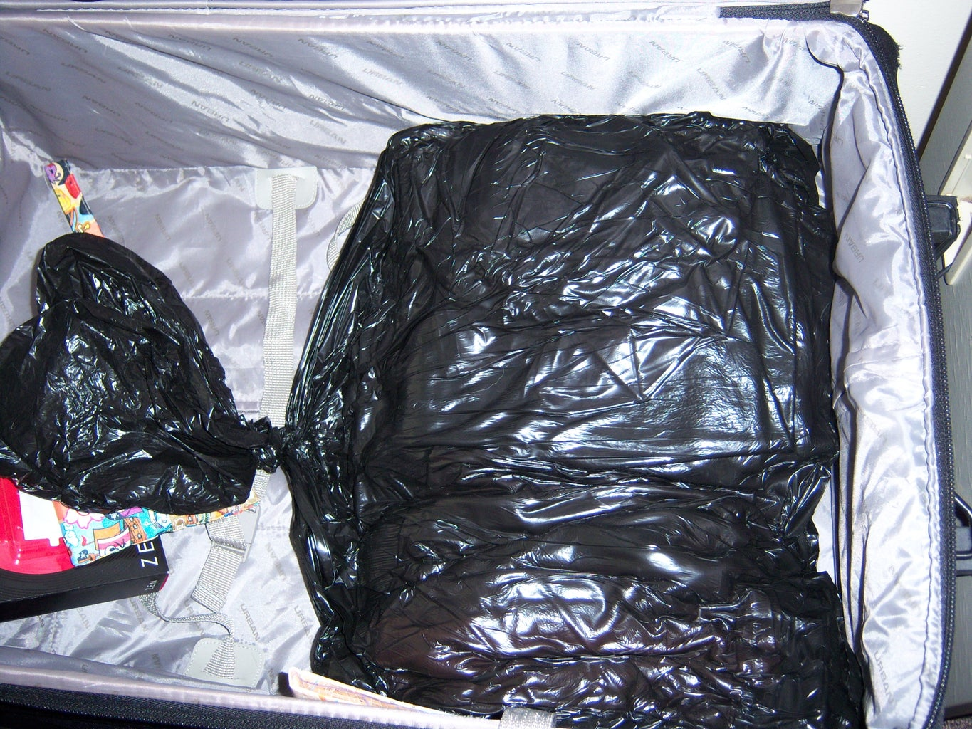 The Suitcase Wont Close Day-saver!