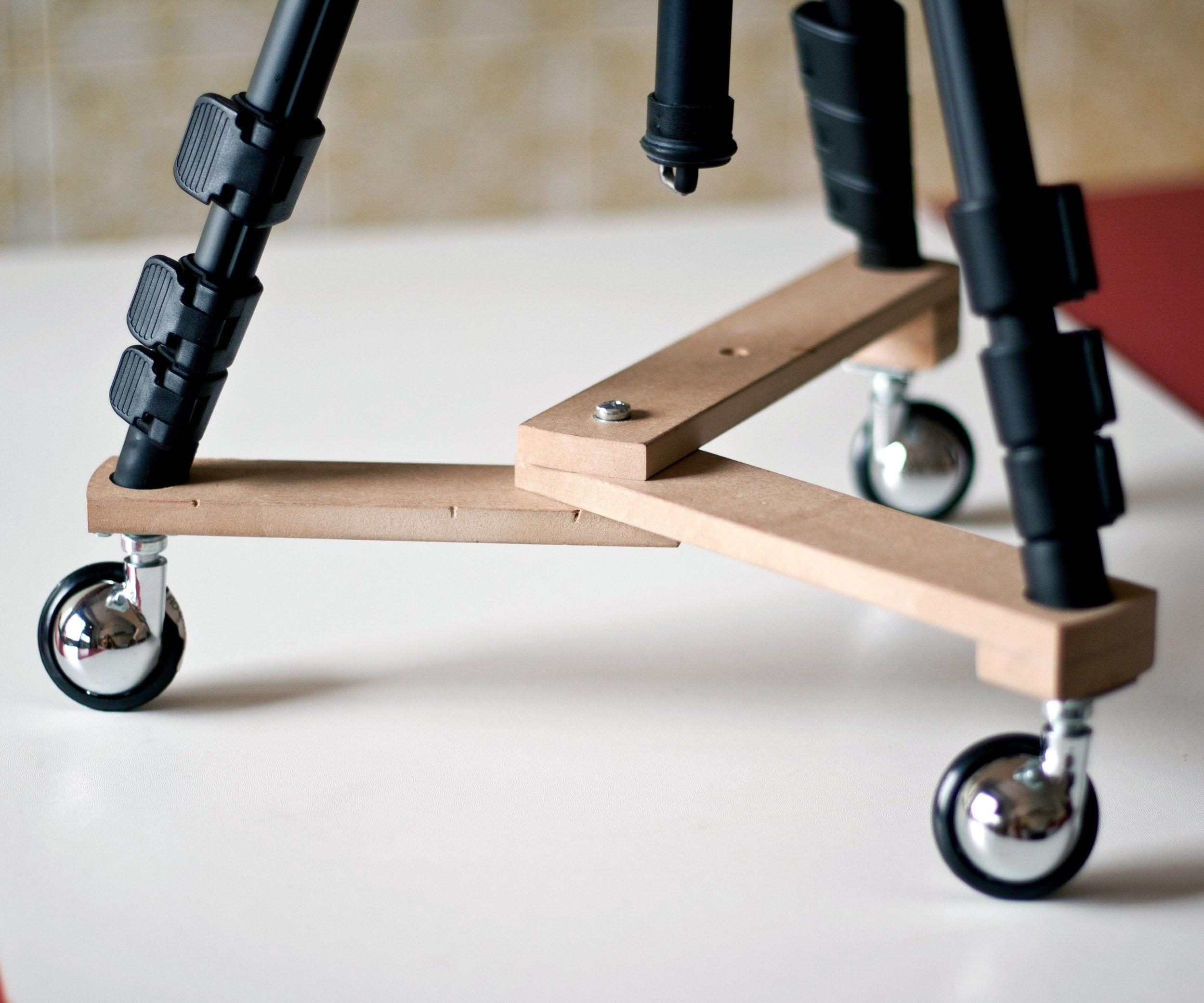 small foldable tripod dolly