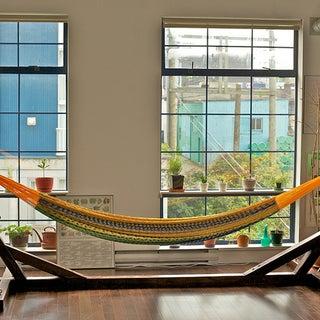 hammock stand 640px.jpg