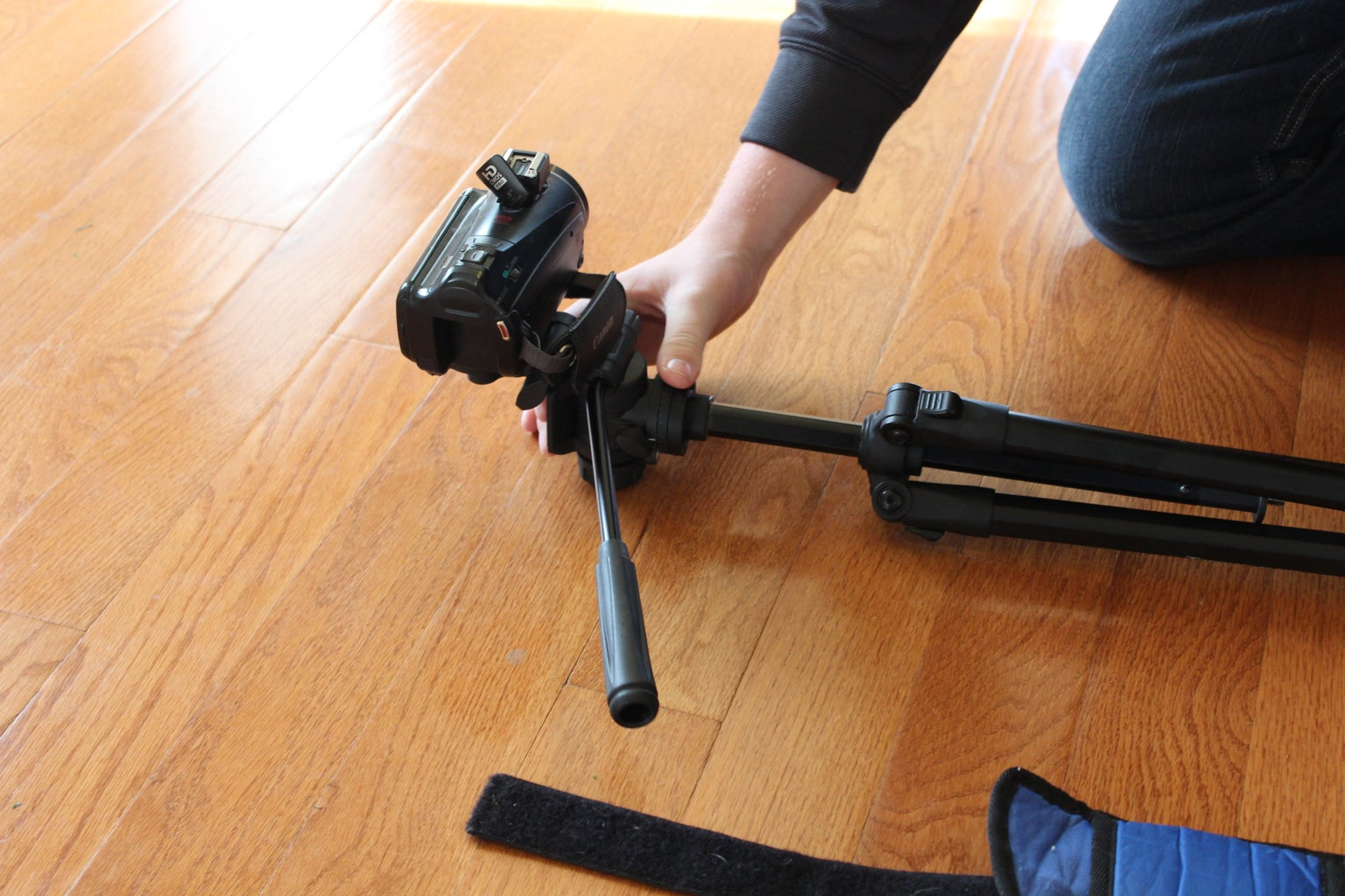 Rotate Head of Tripod So That It Is 90 Degrees With Respect to the Legs