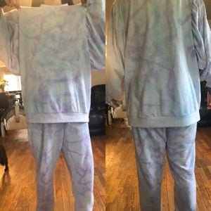 How to Tie-Dye Natural-Fiber Clothing
