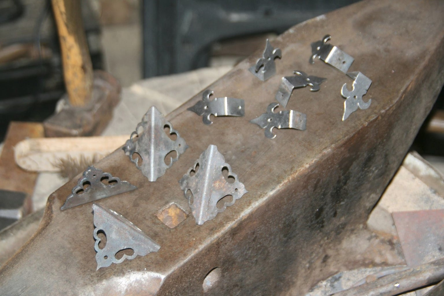 Finishing Hinges, Lock and the Box Handle