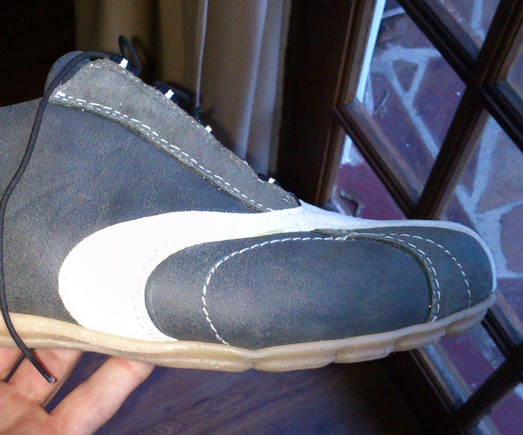 Shoe sole molding