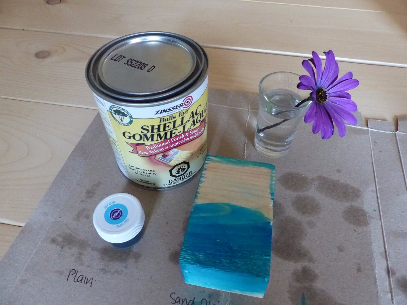 Baby-safe Food-colour Stain for Wood: an Experiment