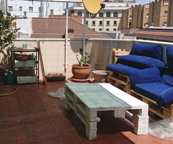 Terrace Table With 1 Pallet and a Half!