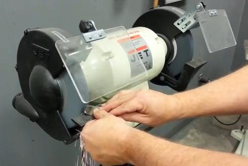 How to use a pedestal grinder