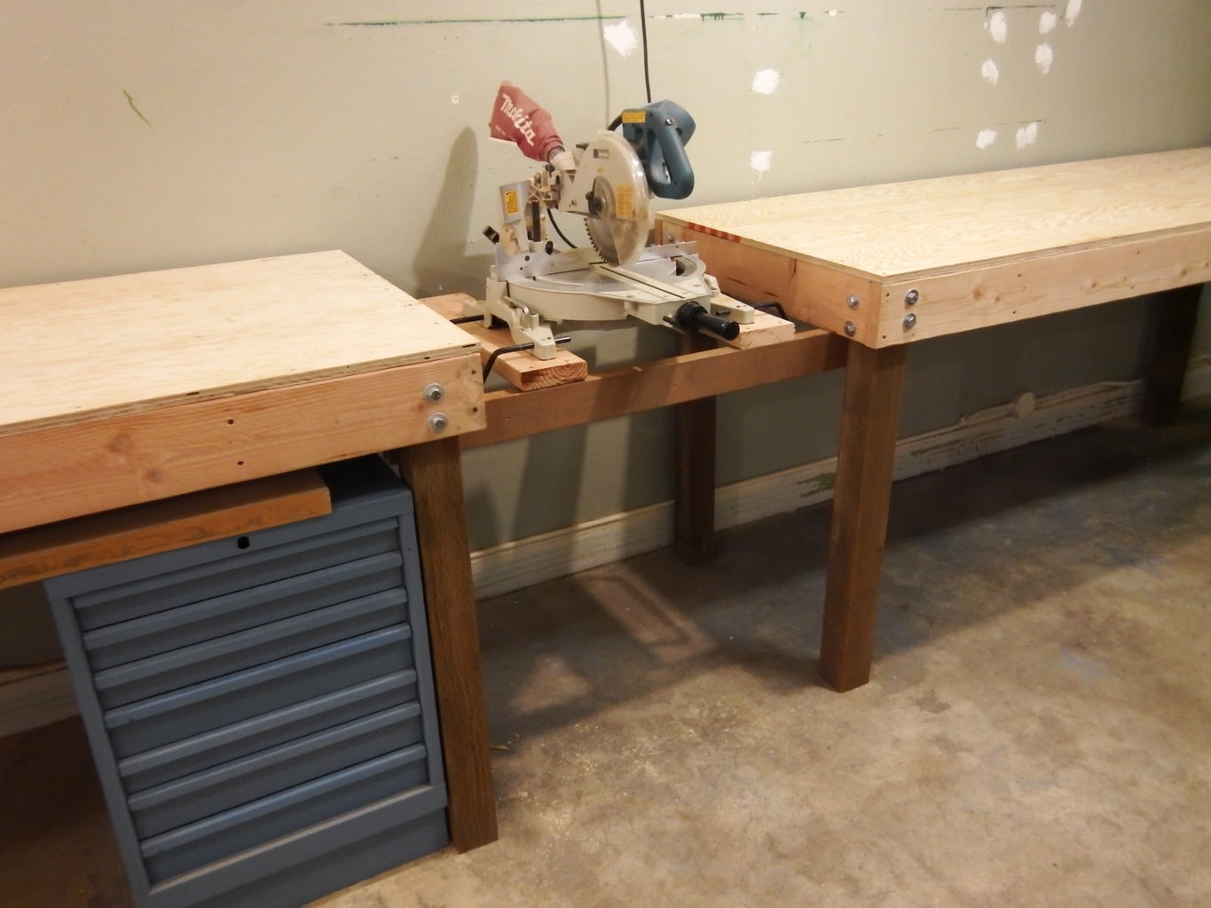 Combine Tables With Saw in the Middle