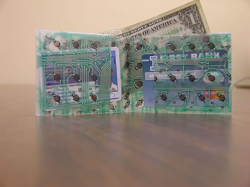 Wallet made from a computer keyboard