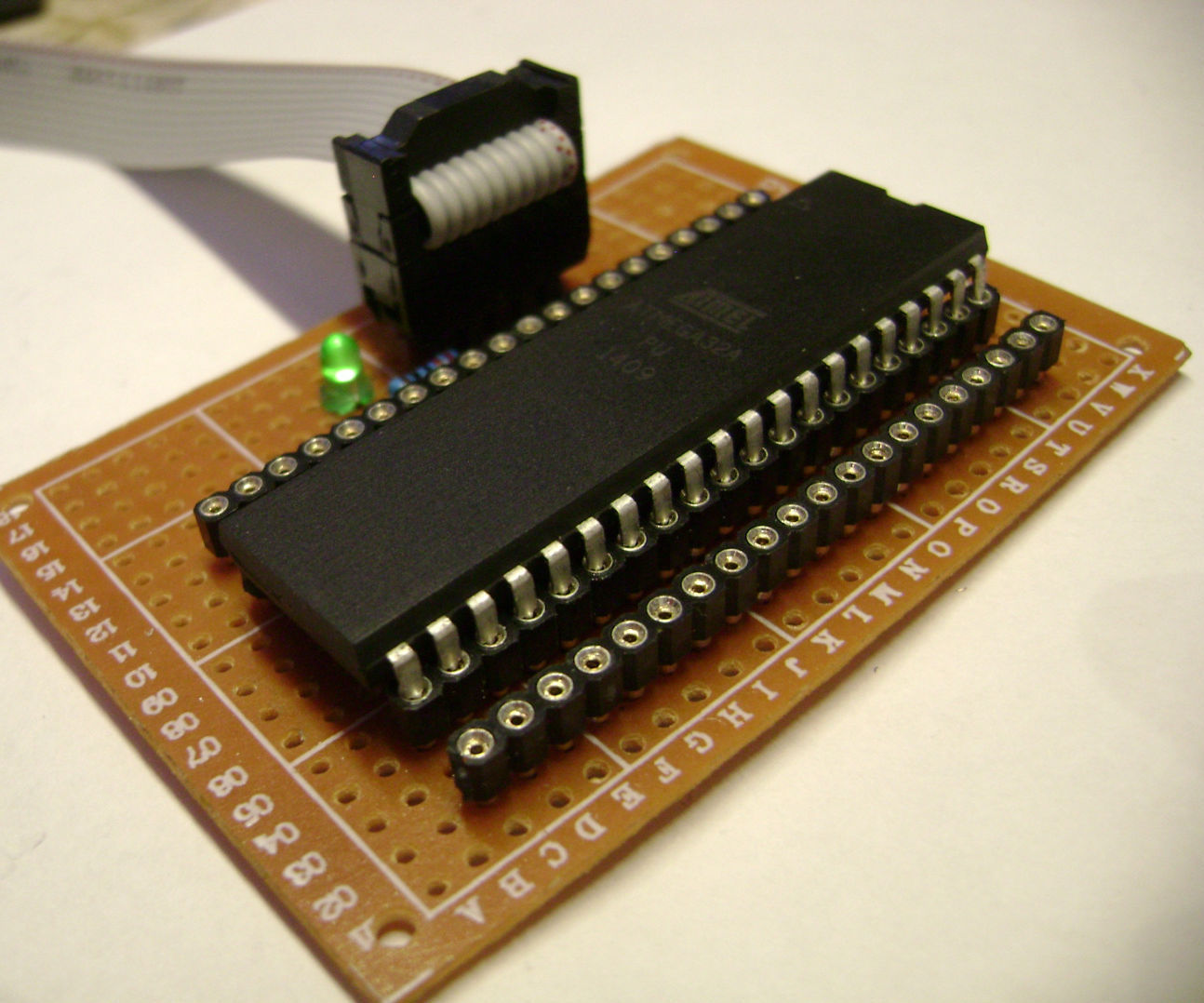 DIY Atmel microcontroller development board