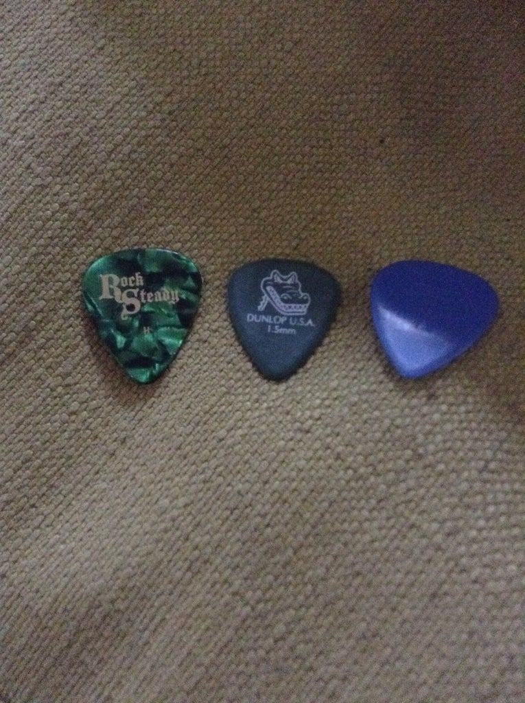 What Guitar Pick Should You Use?