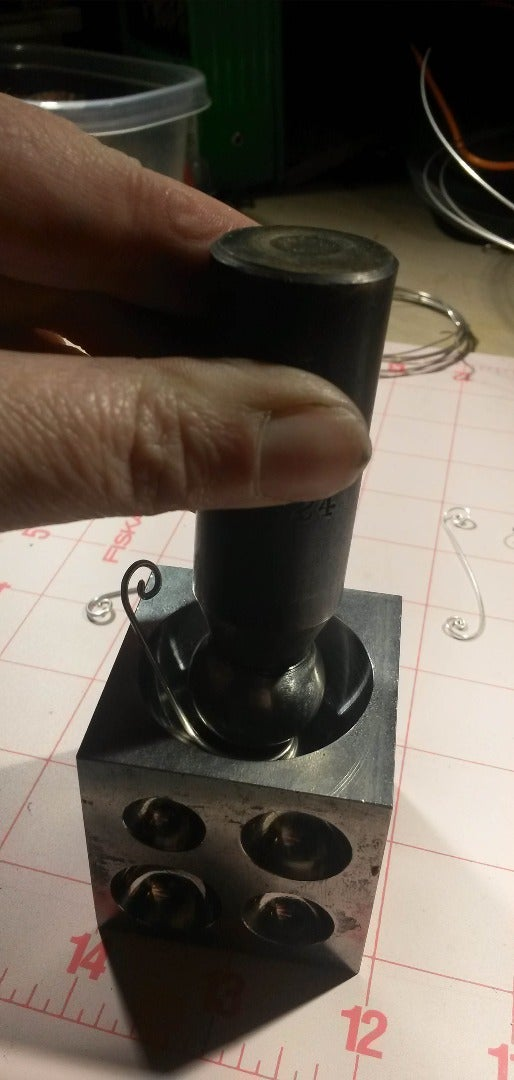 Using a Dapping Block