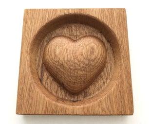 心脏在一块坚实的橡木地板与融合360