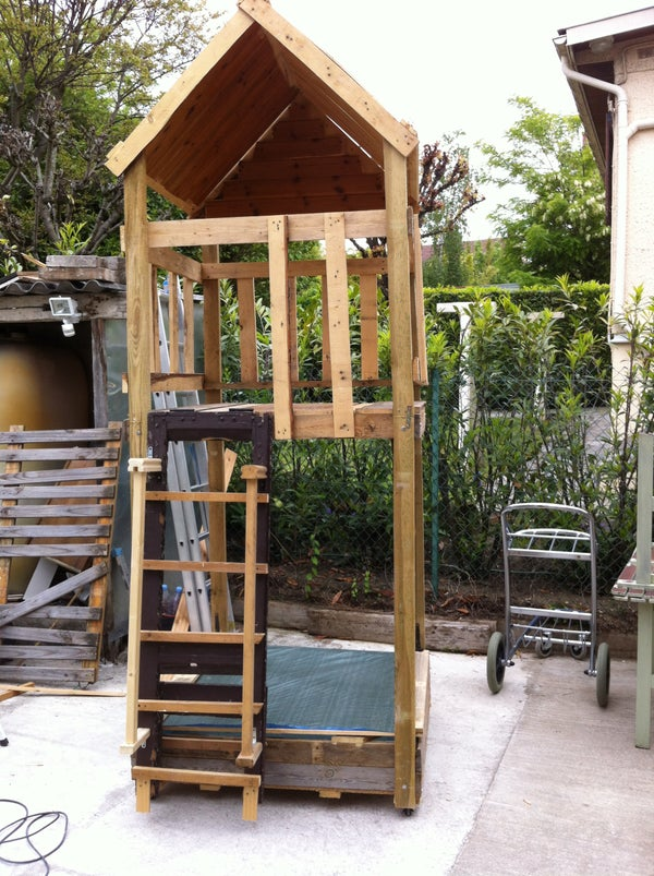 Club House / Play House on Wheels With Sandbox From Recycled Wood
