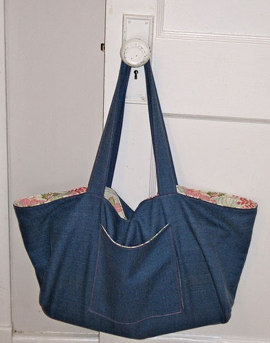 Pretty and Simple Everyday Tote!
