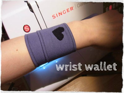 Wrist Wallet - Quick and Easy - for Running