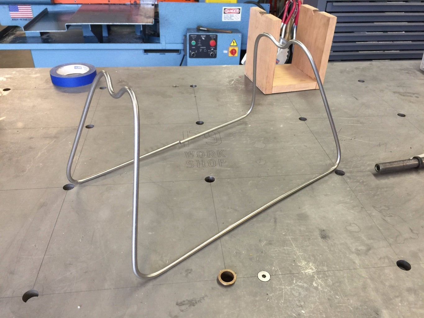 Bend Metal Stand