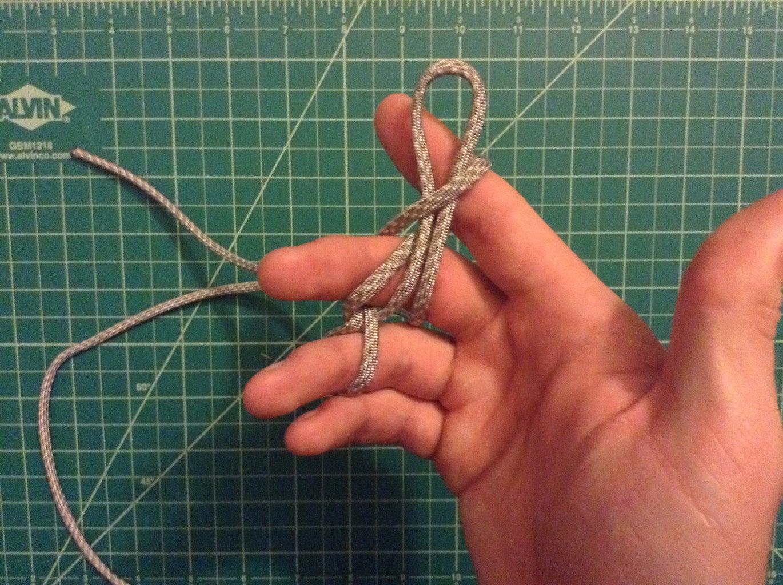 Make a Cross Knot