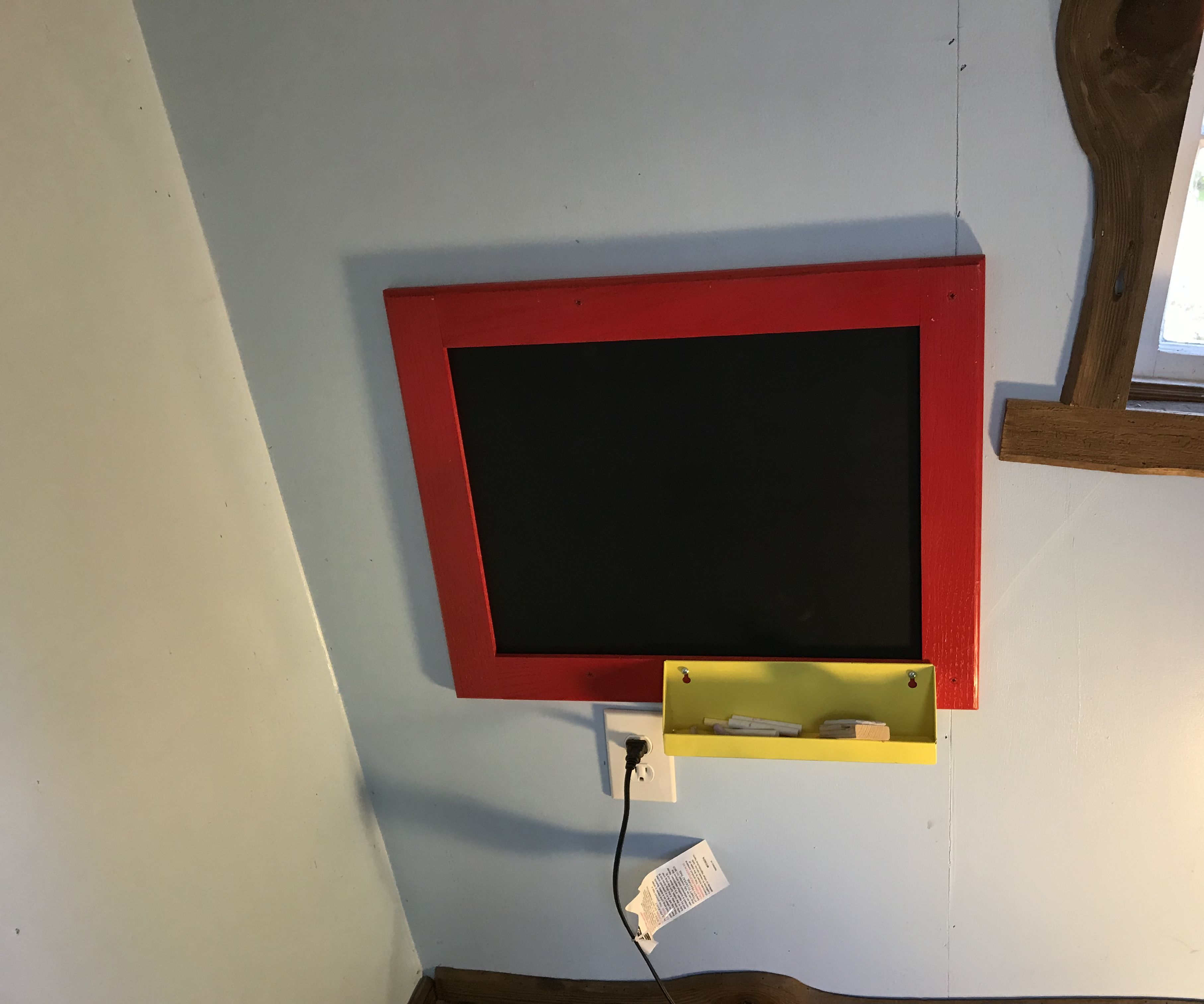 Up Cycling Those Old Cabinet Doors to Chalk/magnet Board