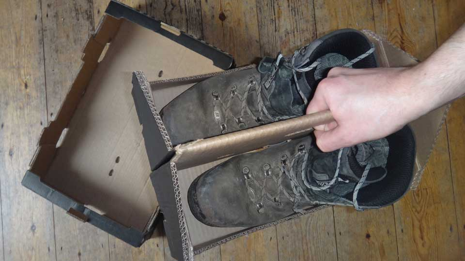 Apple Box to Walking Boot Carrier in 5mins (an end to mud in the back of your car and stinky boots in an old plastic bag)