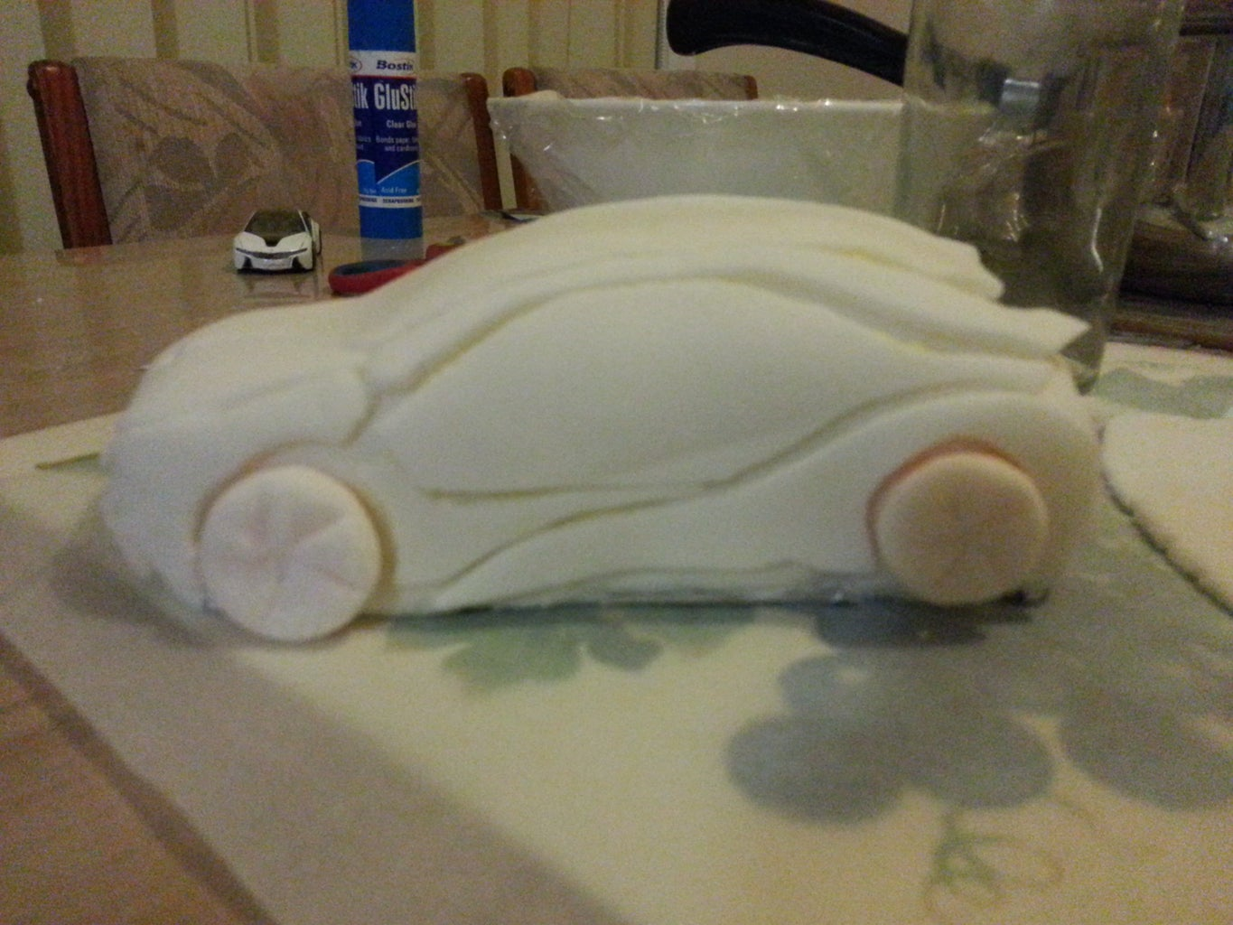 Decorate the Cake Using the Cut Out Shape of the Fondant