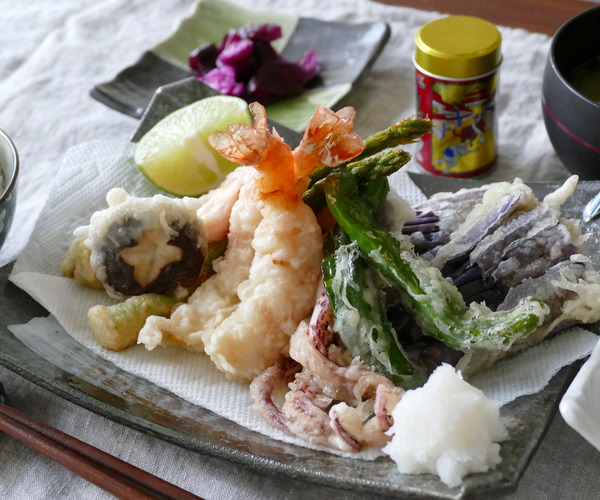 Japanese Cuisine Crispy Tempura/ Deep Fried Vegetable and Seafood