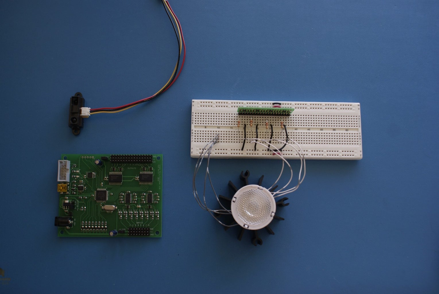 LED PWM With Smart Servo Controller
