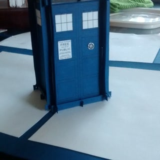 Amazing Pop-up Tardis!!!