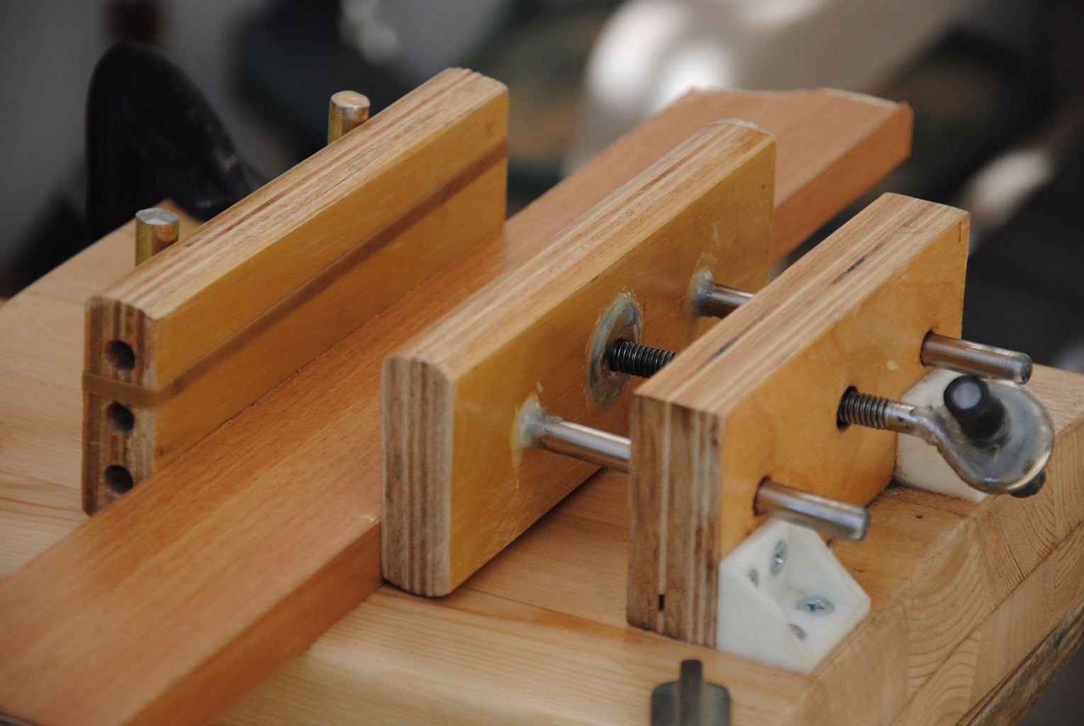 How to Use the Ultimate Homemade Wooden Vise
