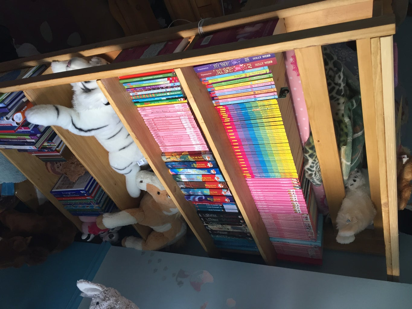 Easy Wood Shelves (for the Side of a Mezzanine Bed)