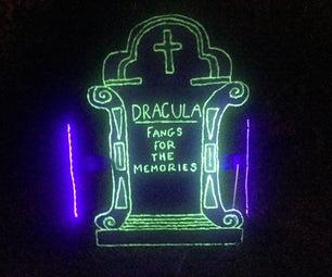 在黑暗中发光的墓碑