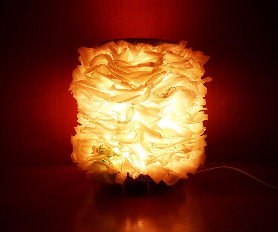 Lámpara de bolsas de plástico