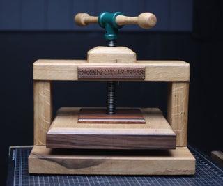 Classic Oak Book Press W/Dovetails